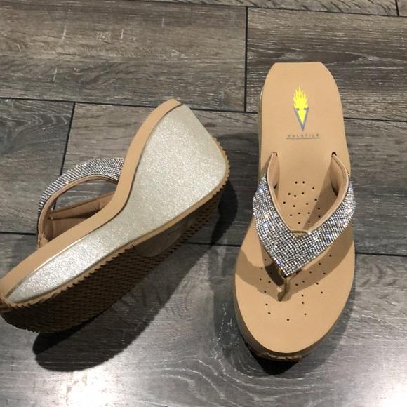 Volitile Gold Glitter Bling Sandal Women's Size 8